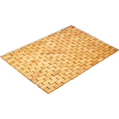 This bamboo wood bathroom mat is simple and practical.
